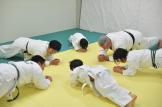 先生と幼児のトレーニング風景